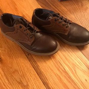 Boys brown dress shoe